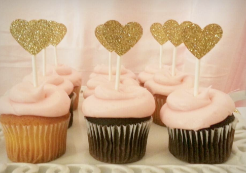 glamorous cupcakes with gold hearts